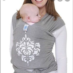 Gray Moby wrap